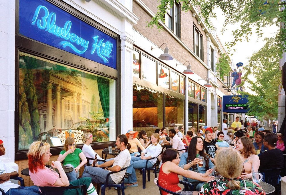 Patrons sitting outside Blueberry Hill on a fine spring day (Image:  Wikimedia Commons )
