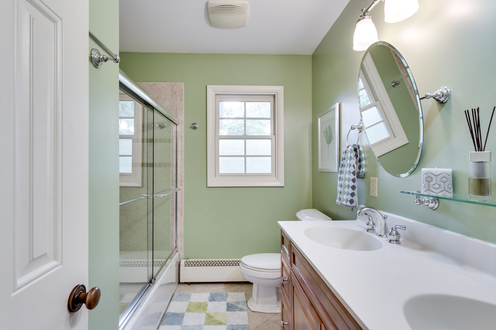 1519 Crestwood Ln McLean VA-print-037-37-Bathroom-4200x2800-300dpi.jpg