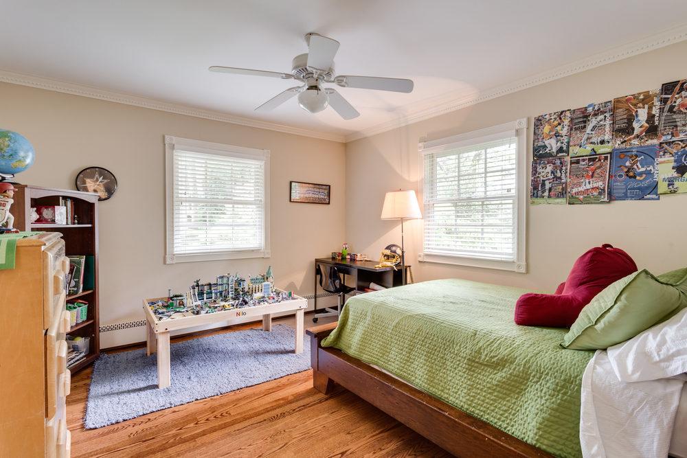 1519 Crestwood Ln McLean VA-print-036-36-Bedroom-4200x2800-300dpi.jpg