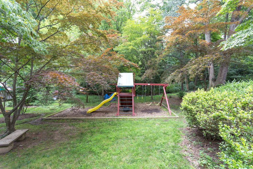 1519 Crestwood Ln McLean VA-print-011-11-Exterior  Back-4200x2800-300dpi.jpg