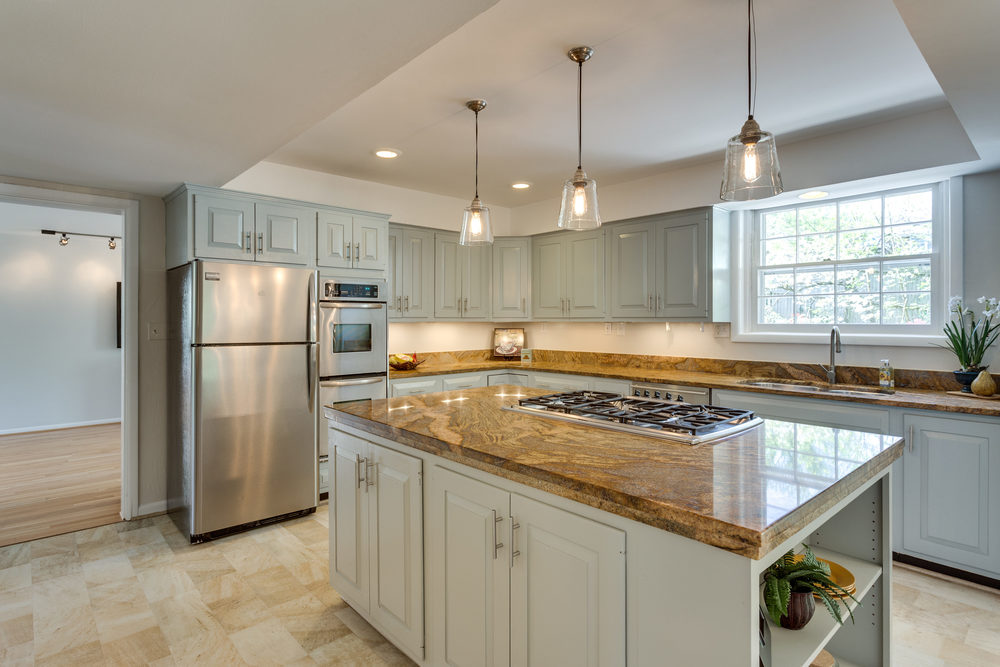 6116 Franklin Park Rd McLean-print-029-11-Kitchen-4200x2800-300dpi.jpg