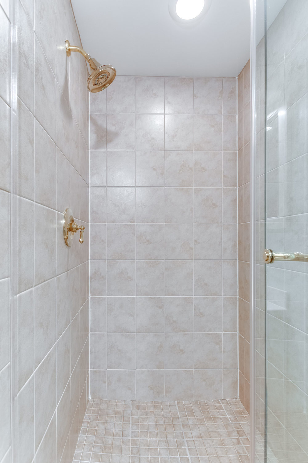 4631 34th St S Arlington VA-print-053-35-Bathroom-2800x4200-300dpi.jpg