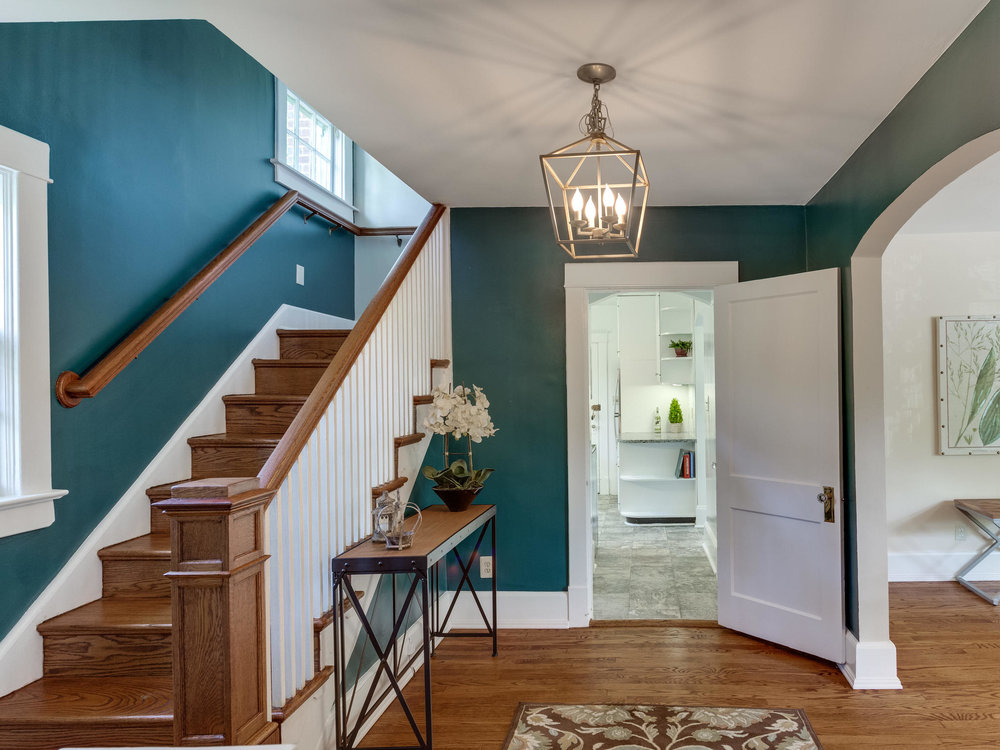 4903 Washington Blvd Arlington-MLS_Size-007-1-Foyer-2048x1536-72dpi.jpg