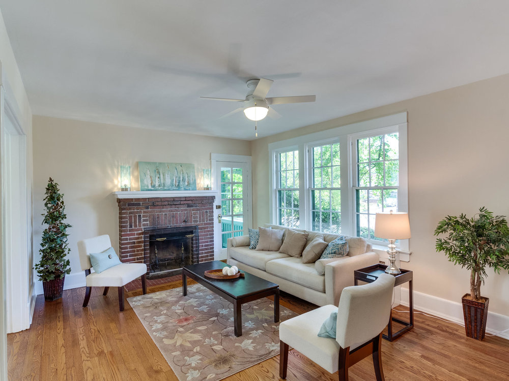 4903 Washington Blvd Arlington-MLS_Size-011-11-Living Room-2048x1536-72dpi.jpg
