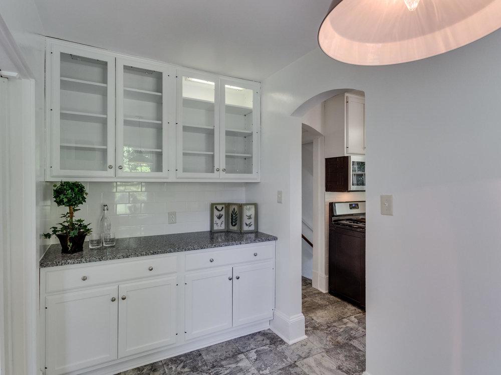 4903 Washington Blvd Arlington-MLS_Size-019-9-Kitchen-2048x1536-72dpi.jpg