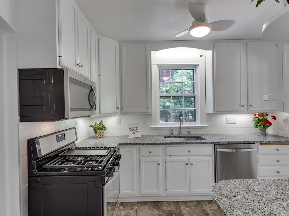 4903 Washington Blvd Arlington-MLS_Size-023-13-Kitchen-2048x1536-72dpi.jpg
