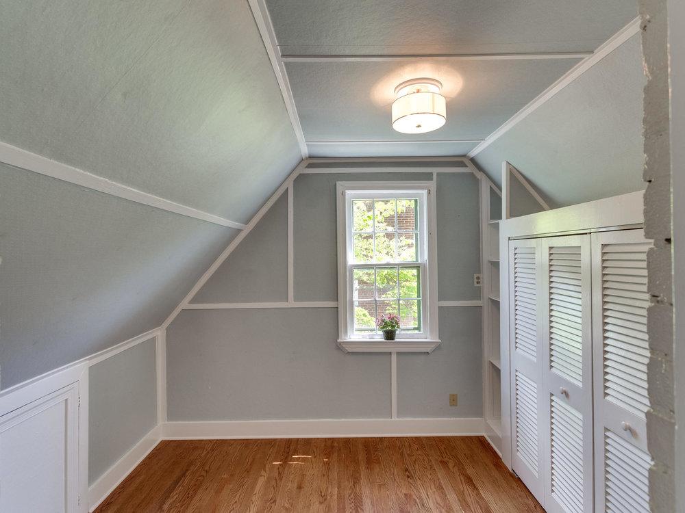 4903 Washington Blvd Arlington-MLS_Size-039-54-Closet-2048x1536-72dpi.jpg