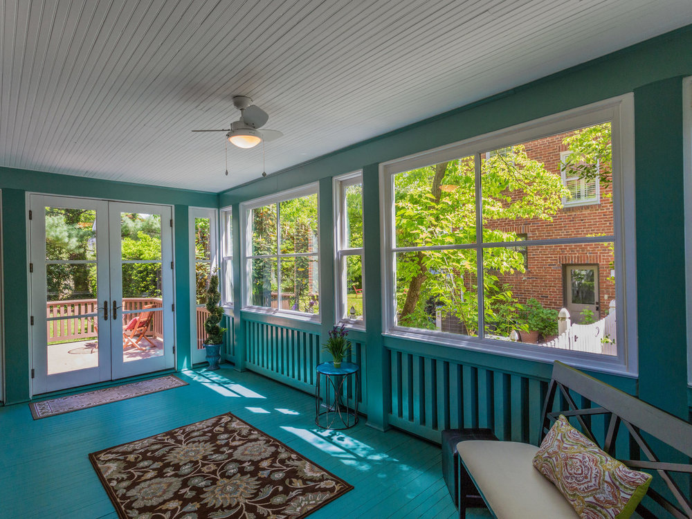 4903 Washington Blvd Arlington-MLS_Size-061-31-Sun Room-2048x1536-72dpi.jpg