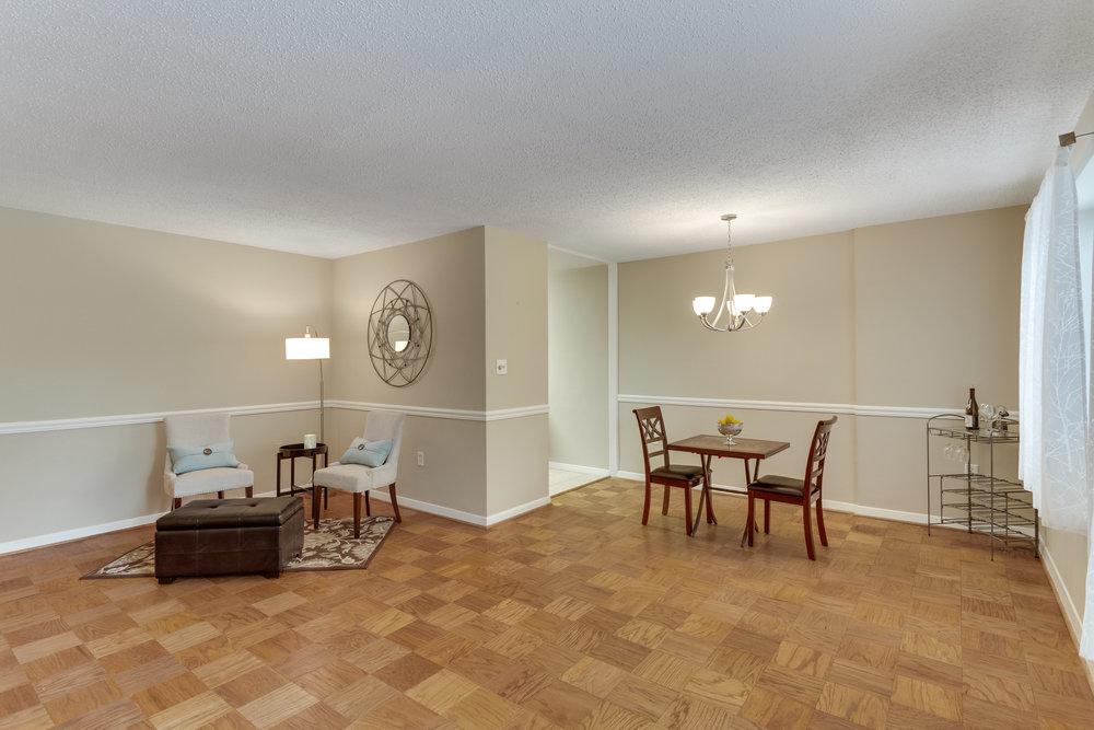 3000 Spout Run Pkwy B209-print-059-106-Living RoomEating Area-4200x2801-300dpi.jpg