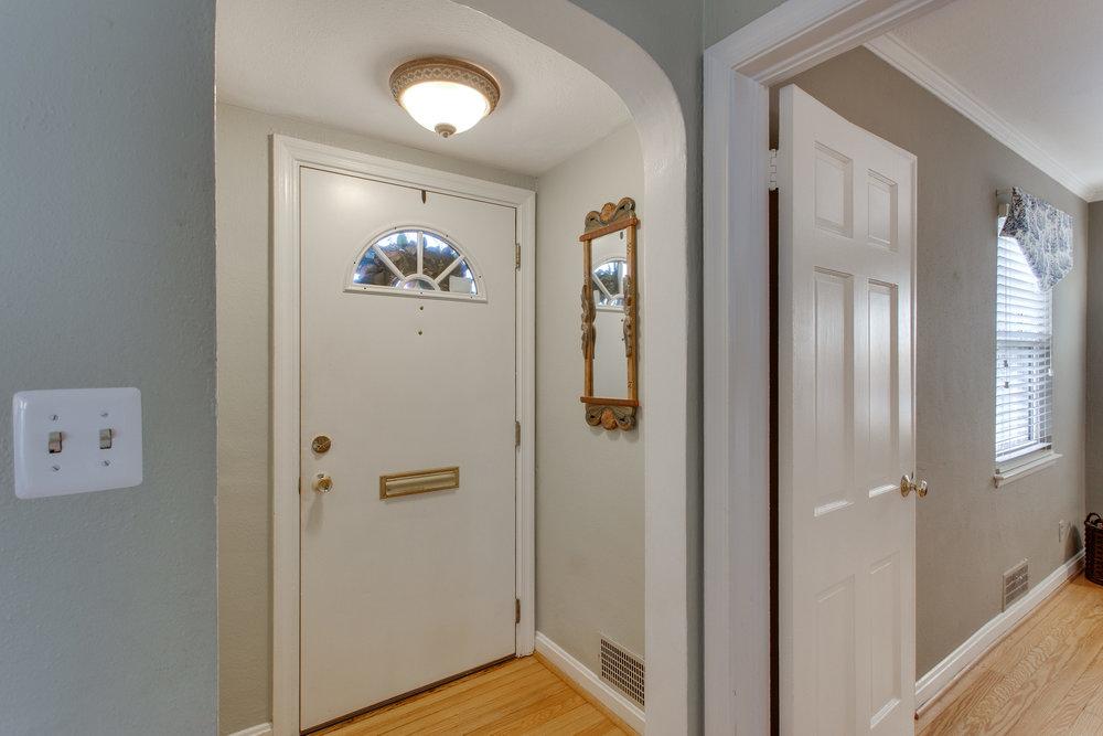 009-9-Foyer.jpg