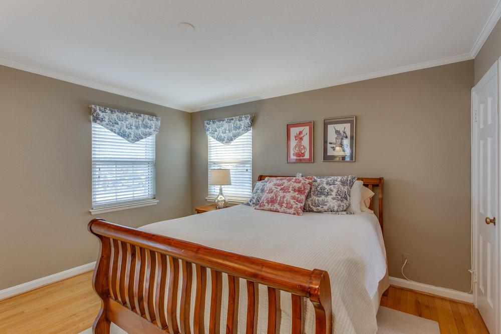 023-18-Master Bedroom.jpg