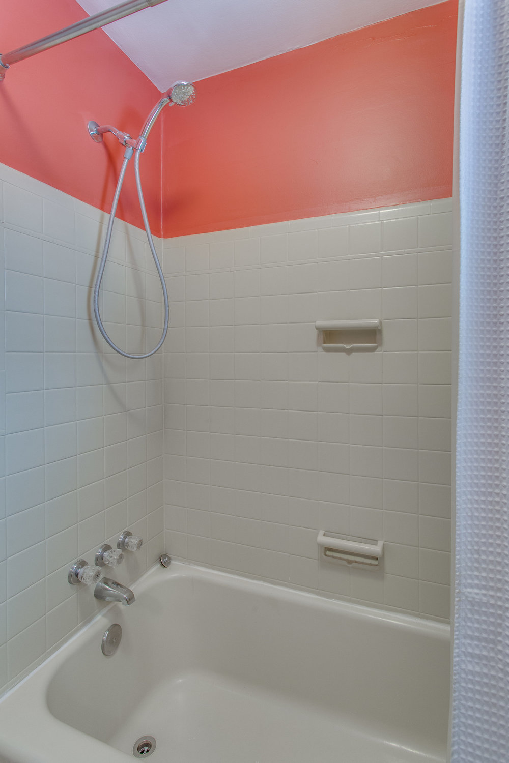 027-7-Master Bathroom.jpg