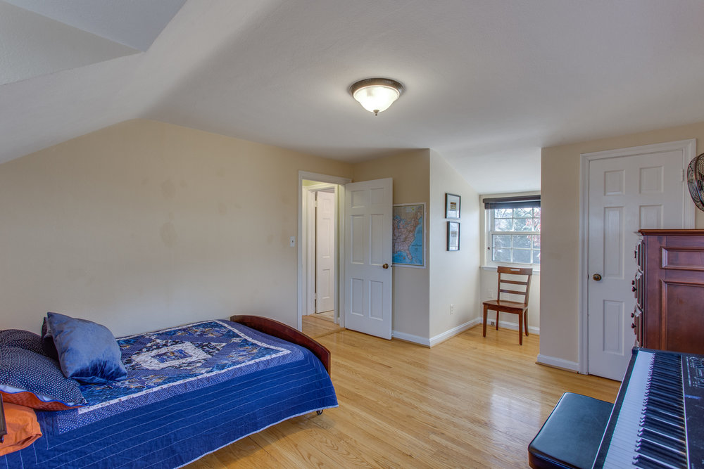 030-47-Bedroom.jpg