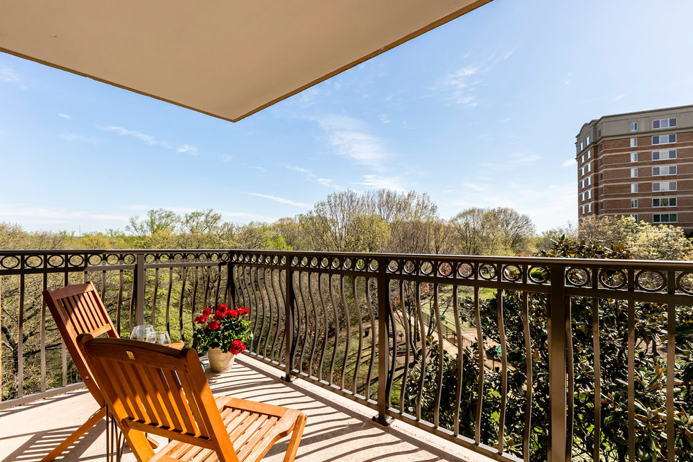 2030 N Adams St 1002 Arlington-print-044-57-Balcony-4200x2800-300dpi.jpg