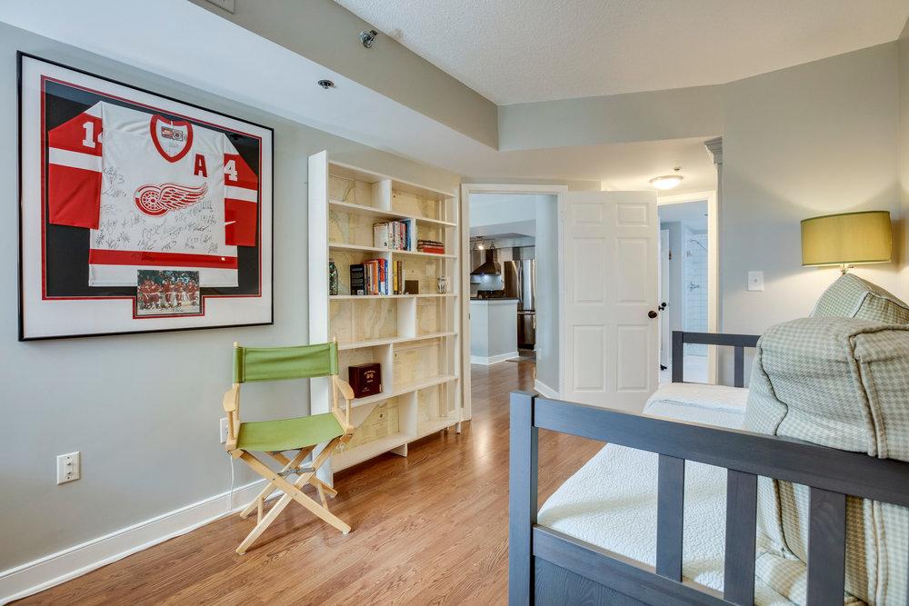 1050 N Taylor St 608 Arlington-print-038-42-Bedroom-4200x2800-300dpi.jpg