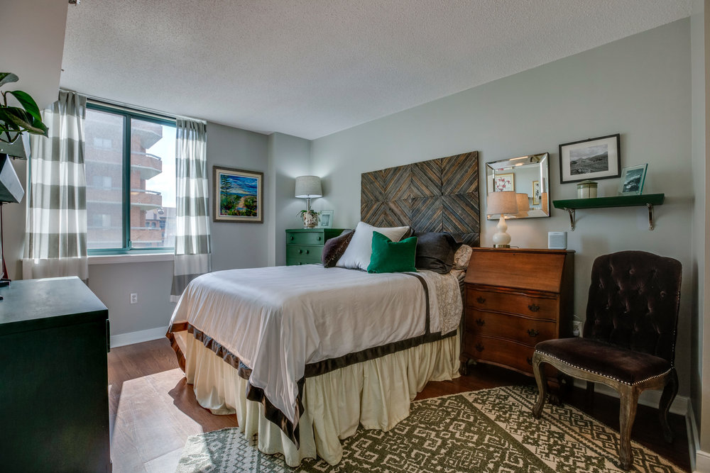 1050 N Taylor St 608 Arlington-print-049-47-Bedroom-4200x2800-300dpi.jpg