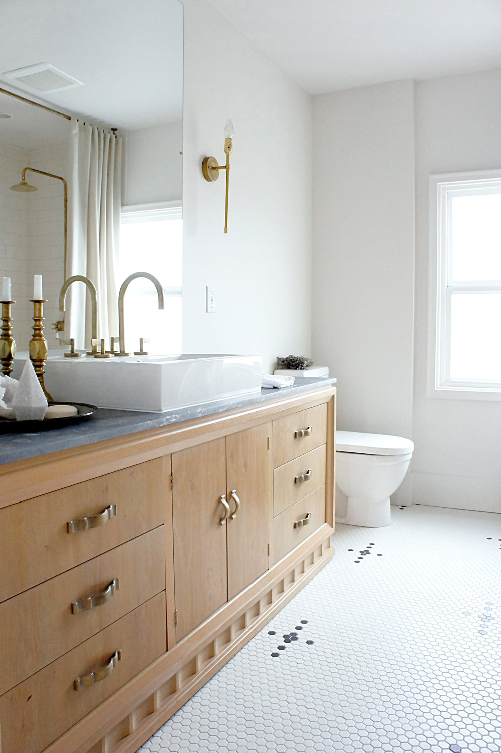Kaemingk Design White Bathroom