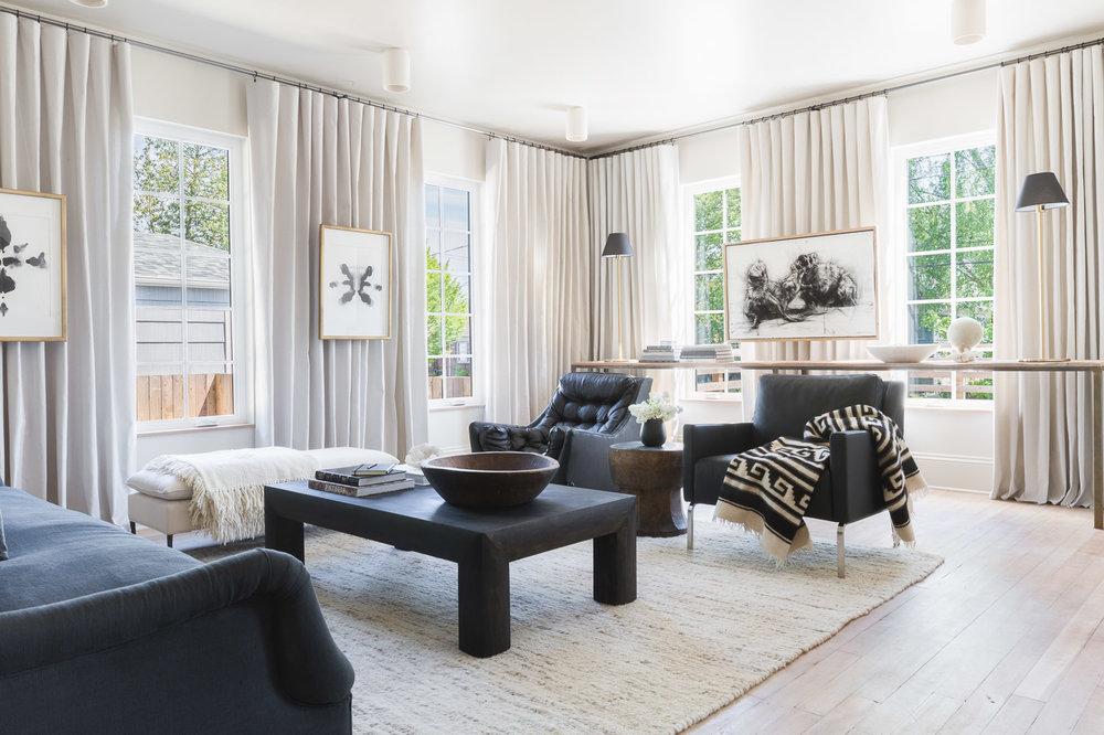 Edgy Living Room by Kaemingk Design.  Photo: Alyssa Rosenheck