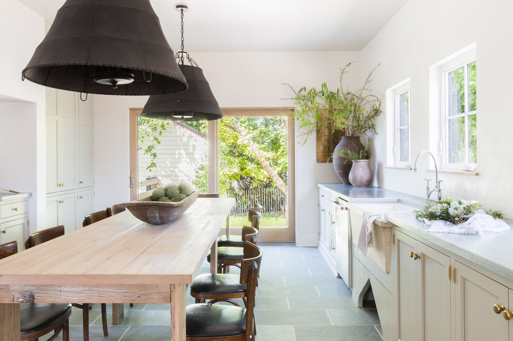 Modern Country Kitchen by Kaemingk Design.  Photo: Alyssa Rosenheck