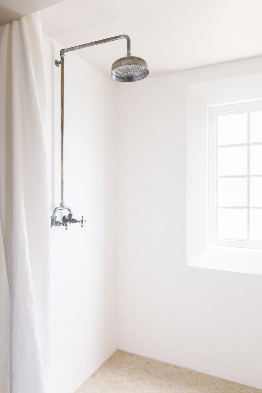 Plaster Shower by Kaemingk Design.  Photo: Alyssa Rosenheck