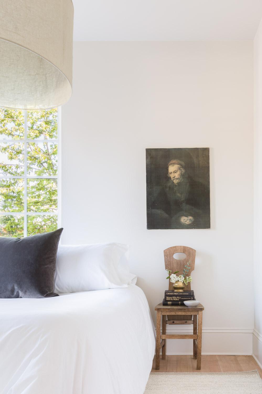 Minimal Bedroom by Kaemingk Design.  Photo: Alyssa Rosenheck