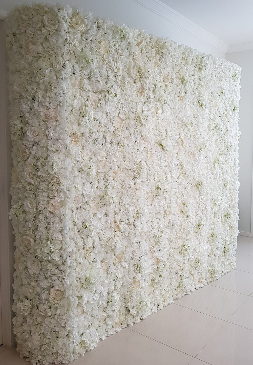 Choice of white flower wall or white backdrop for Mum and Me Minis (supplied by 'Styled by K')