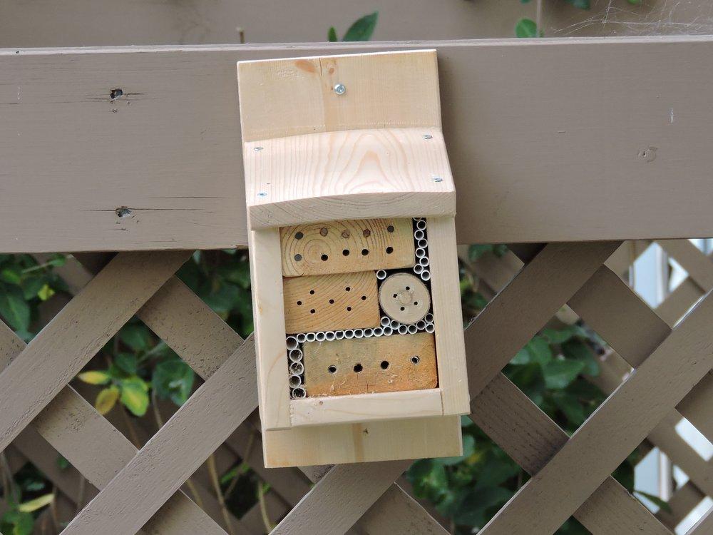 EALT Bee Hotel