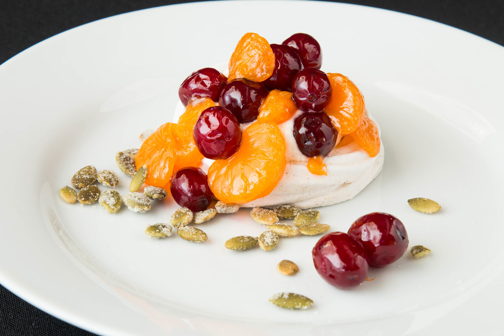 pavlova, fall, cranberries and oranges, dessert_2.jpg