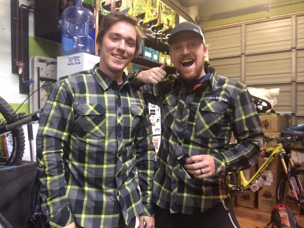 2016 SOMBRIO / endless biking shop shirts.