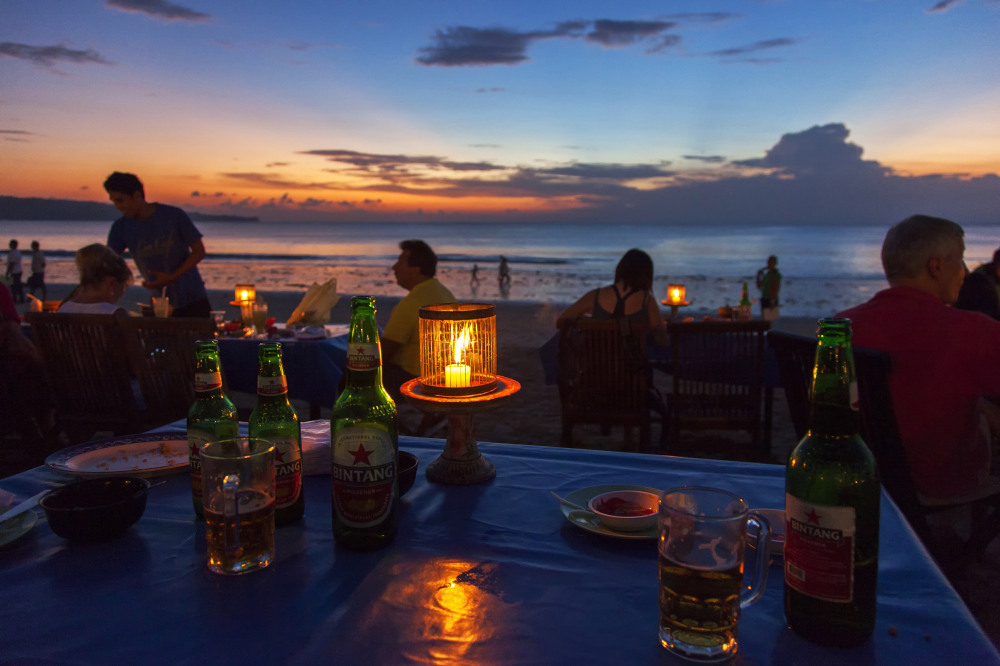 jimbaran_beach_restaurant_sunset.jpg