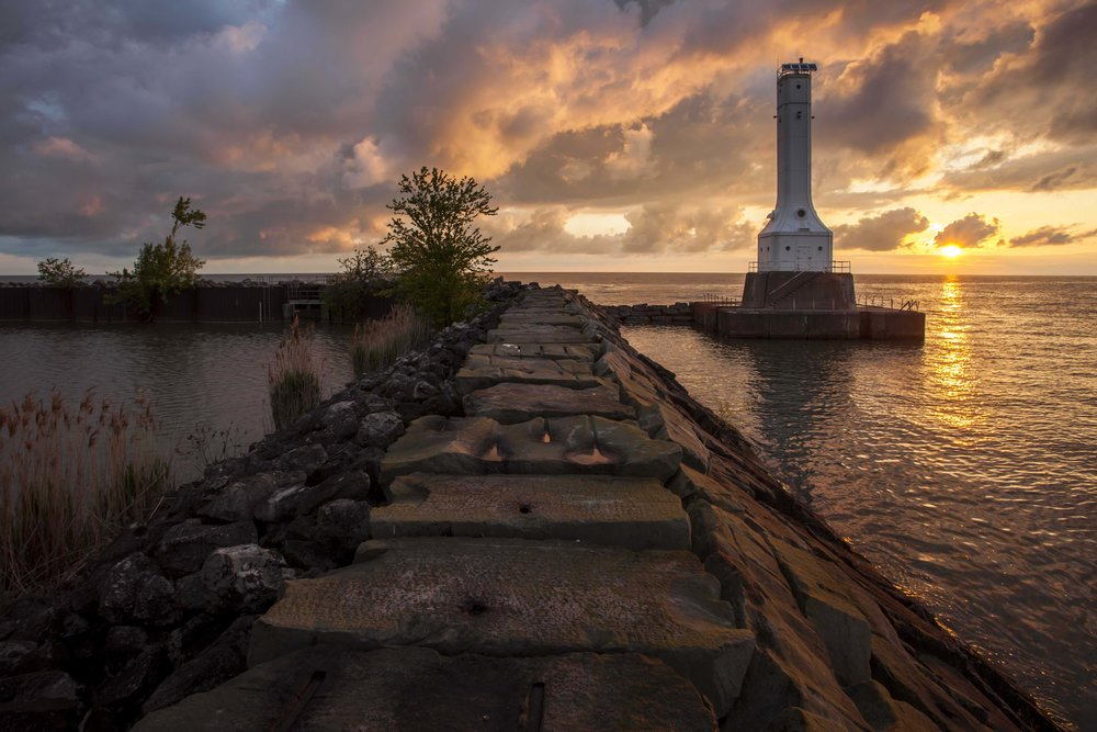 May102012_Huron Pier_7216-HDR.jpg