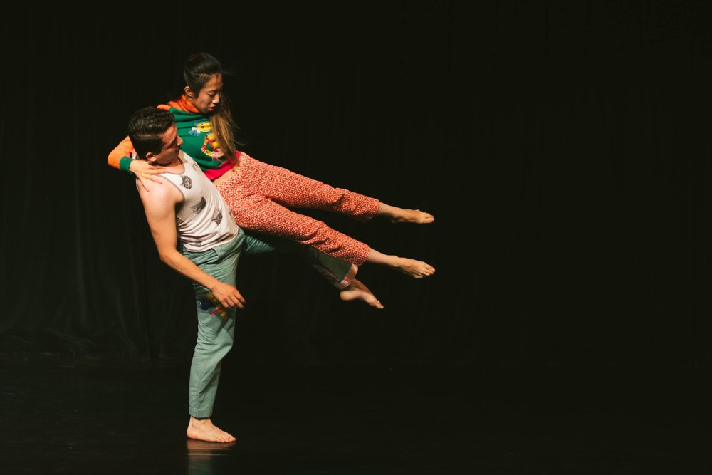"Keith Johnson/Dancers' Nunez and Chiang in ""Panoramic Throat"". Photo by Motion Vivid."