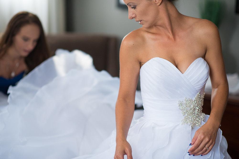 vancouver-island-wedding-photographers-nelson-hume-hotel-wedding-5.jpg