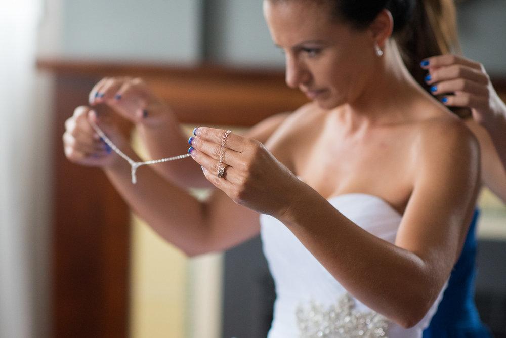vancouver-island-wedding-photographers-nelson-hume-hotel-wedding-6.jpg