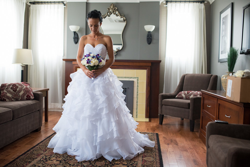 vancouver-island-wedding-photographers-nelson-hume-hotel-wedding-8.jpg