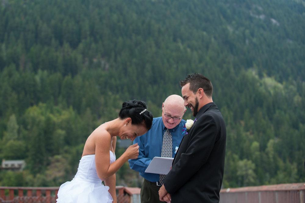 vancouver-island-wedding-photographers-nelson-hume-hotel-wedding-19.jpg