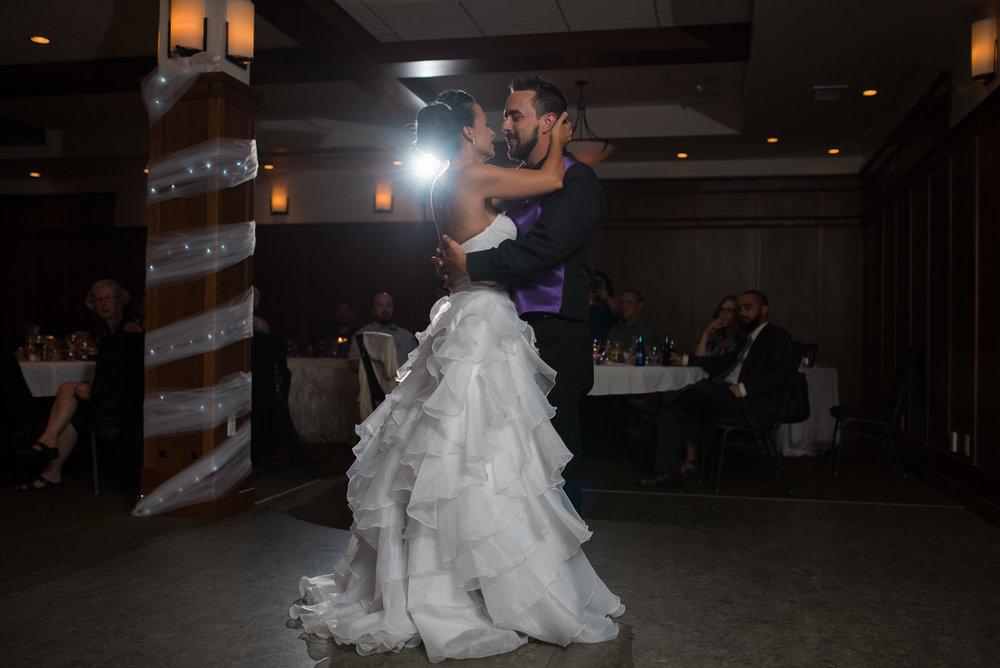 vancouver-island-wedding-photographers-nelson-hume-hotel-wedding-41.jpg