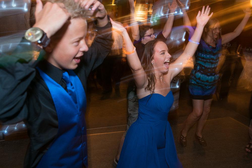 vancouver-island-wedding-photographers-nelson-hume-hotel-wedding-51.jpg