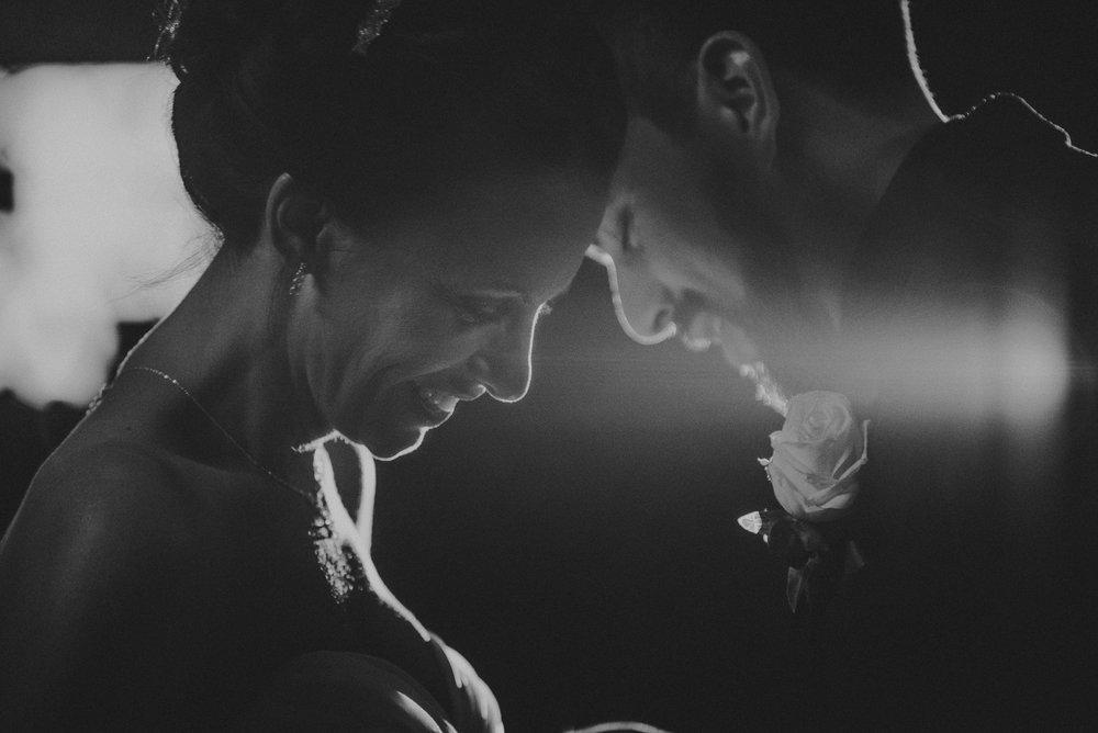 vancouver-island-wedding-photographers-nelson-hume-hotel-wedding-56.jpg