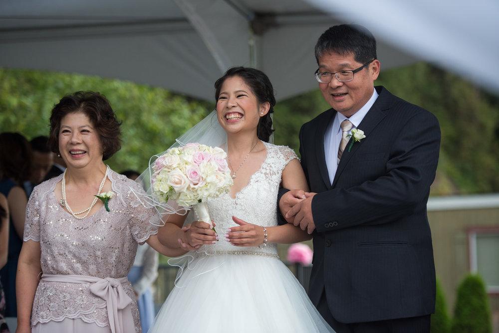 vancouver-island-wedding-photographers-golden-eagle-golf-course-wedding-11.jpg