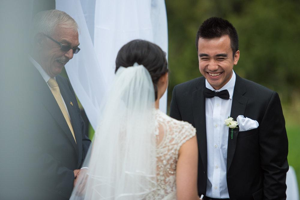 vancouver-island-wedding-photographers-golden-eagle-golf-course-wedding-13.jpg