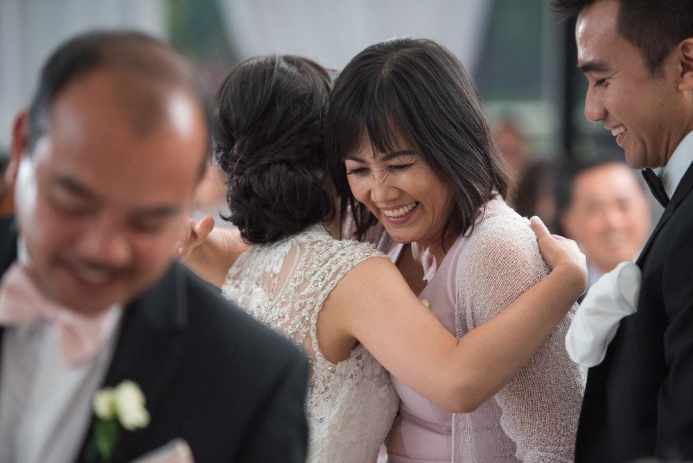 vancouver-island-wedding-photographers-golden-eagle-golf-course-wedding-40.jpg