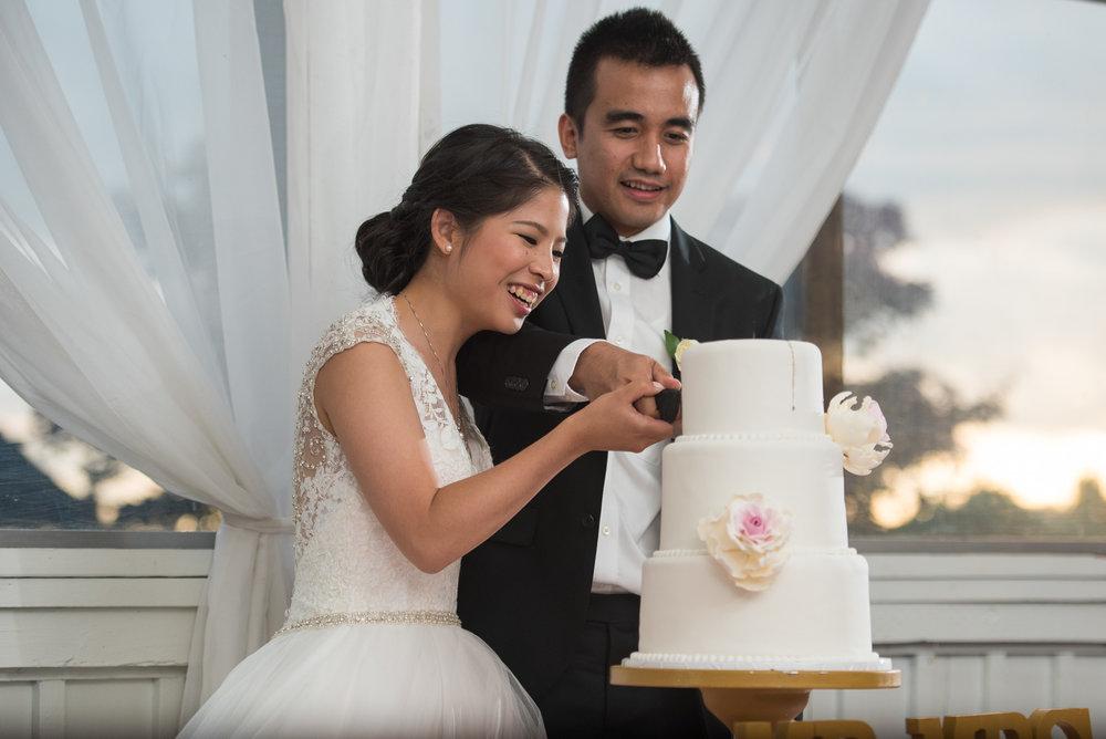 vancouver-island-wedding-photographers-golden-eagle-golf-course-wedding-43.jpg