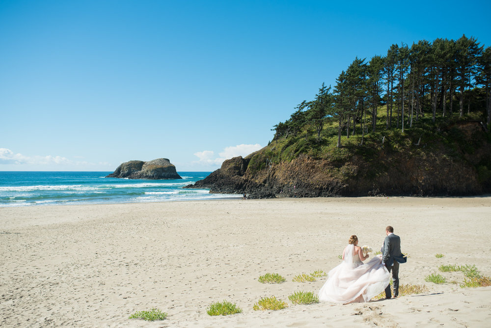 victoria-wedding-photographers-cannon-beach-oregon-wedding-21.jpg