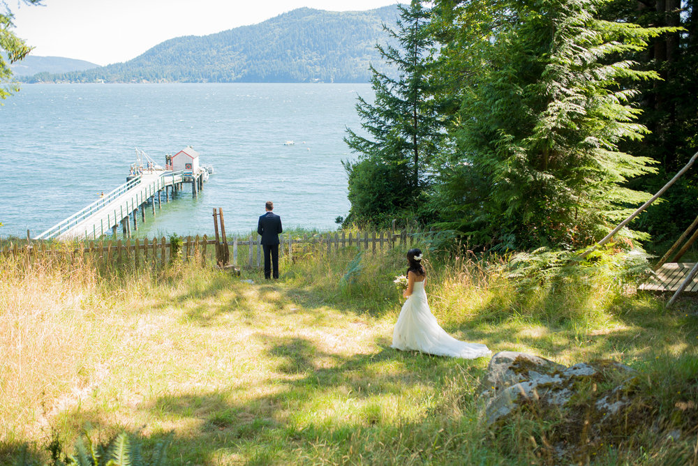 victoria-wedding-photographers-camp-fircom-gambier-island-wedding-21.jpg