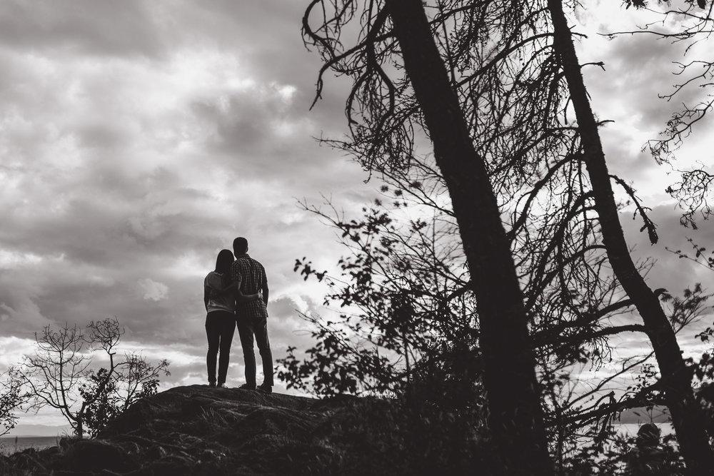 victoria-wedding-photographers-lighthouse-park-engagement-west-vancouver-4.jpg
