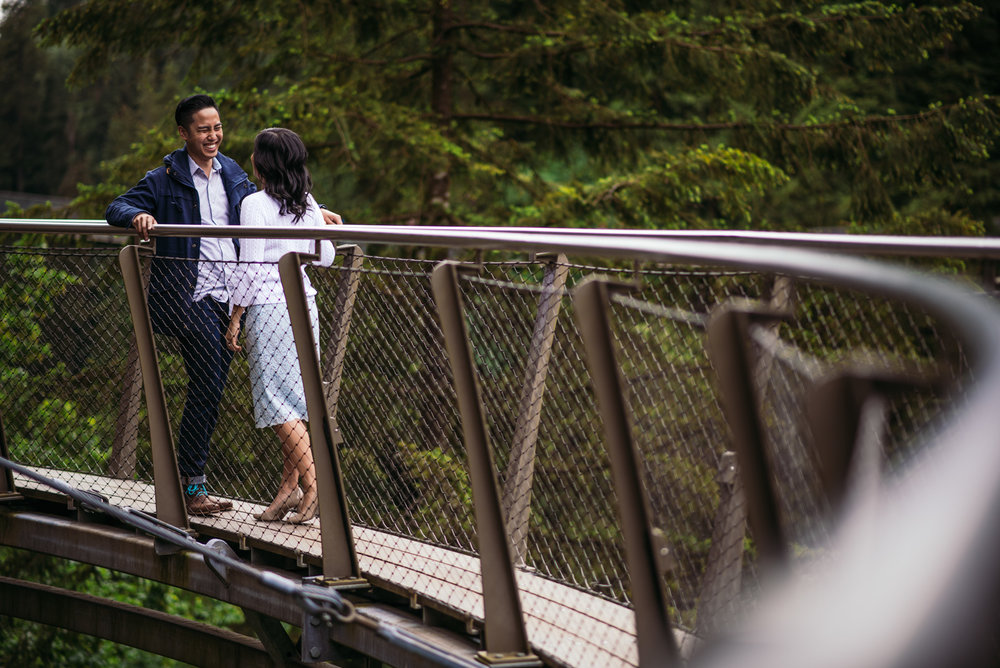 vancouver-island-wedding-photographers-capilano-suspension-bridge-engagement-2.jpg