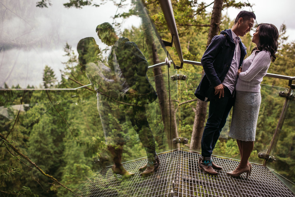 vancouver-island-wedding-photographers-capilano-suspension-bridge-engagement-4.jpg