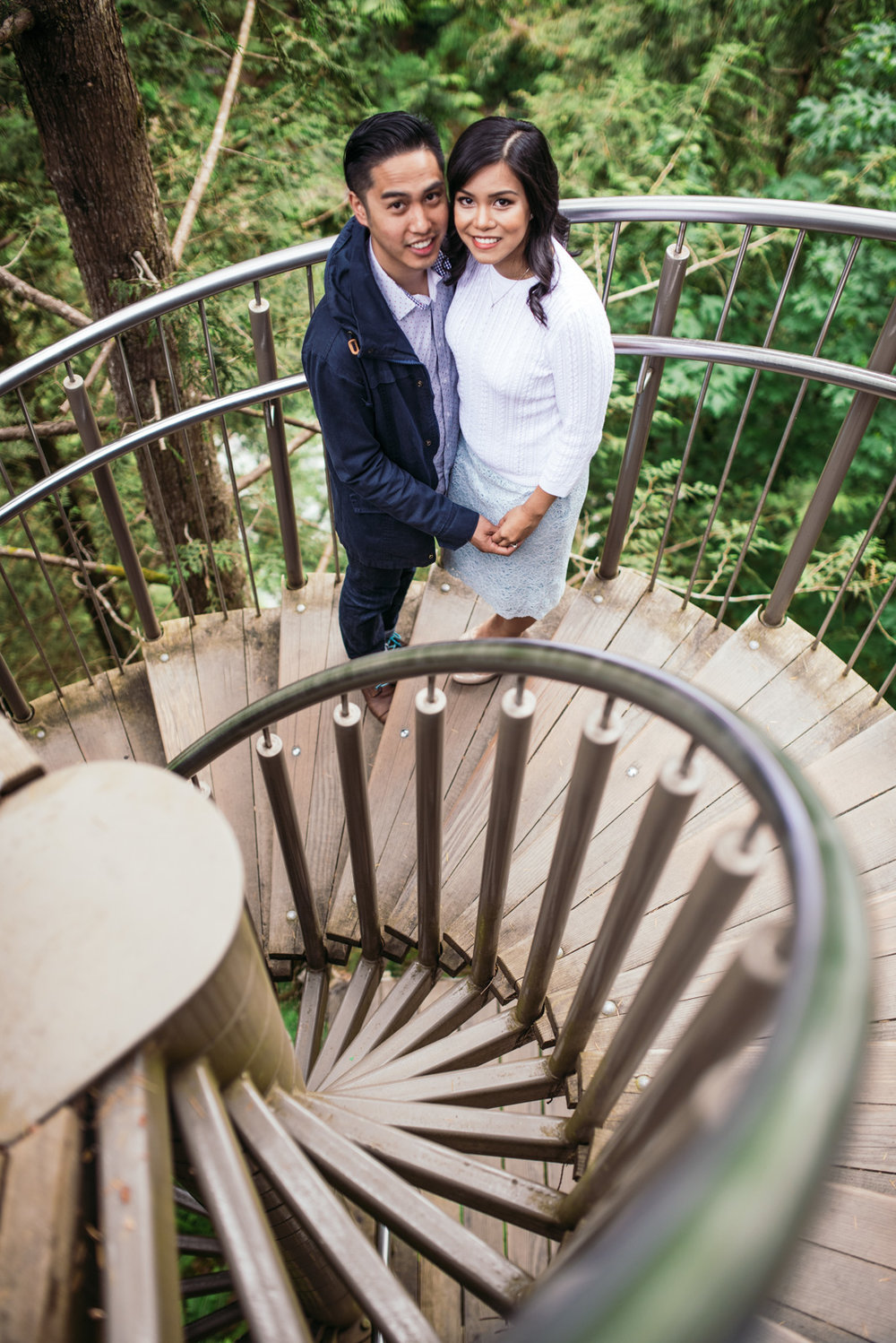vancouver-island-wedding-photographers-capilano-suspension-bridge-engagement-8.jpg