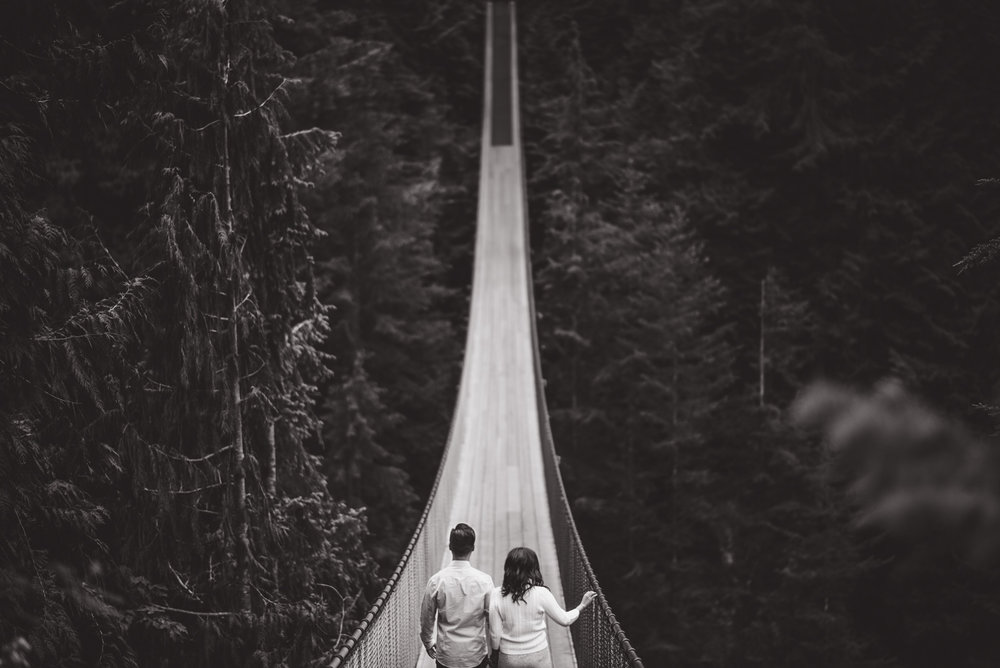 vancouver-island-wedding-photographers-capilano-suspension-bridge-engagement-10.jpg